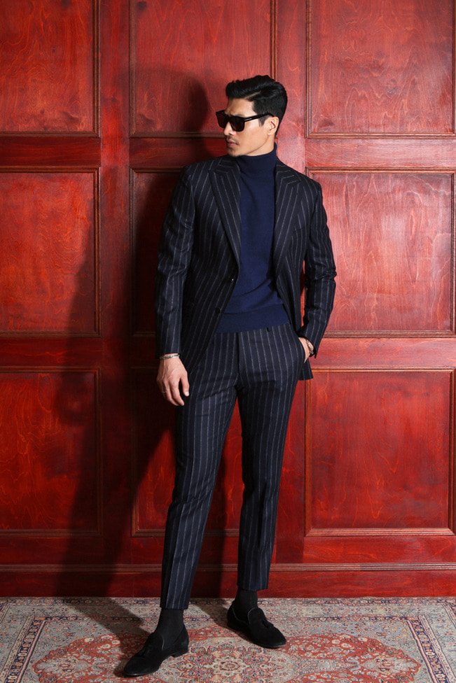 Take395 Italy  V.B.C 1663 stripe suit/navy