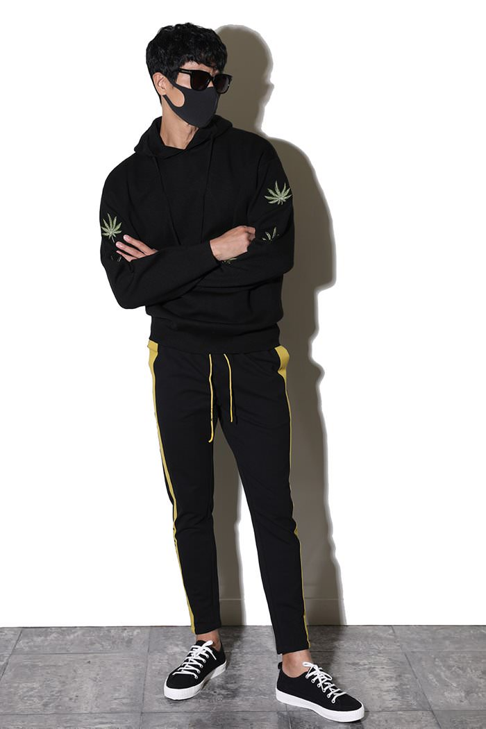 MARI LOOSE FIT KNIT HOODY-BLACK수입소량한정제품!